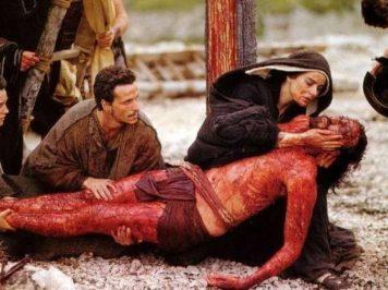 Come Cristo sulla croce